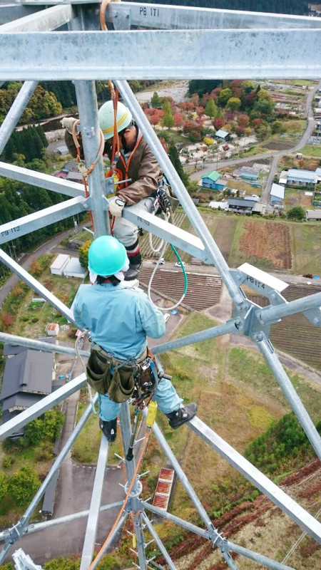 ラインマン 架線電工 鉄塔建設 現場 岐阜県関市板取 鉄塔組立工事