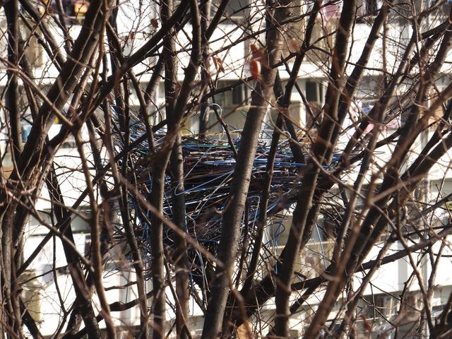 鉄塔の鳥害対策:クローアウトと針山