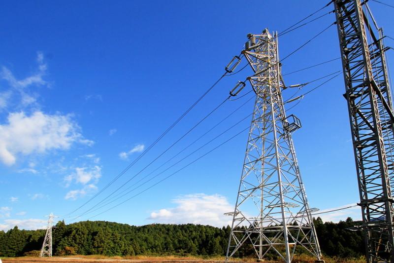高圧送電線 鉄塔 研修施設 中部電気工業株式会社