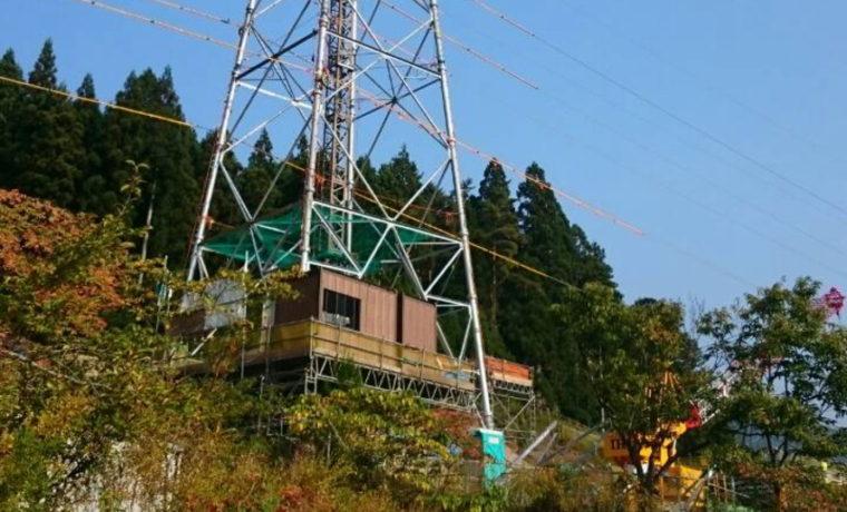 85mを目指して鉄塔建設中