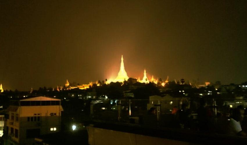 黄金の寺院「シュエダゴン・パゴダ」へ参拝