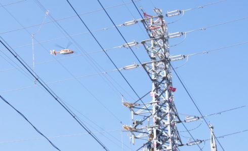 送電線巡視パトロールのヘリコプター