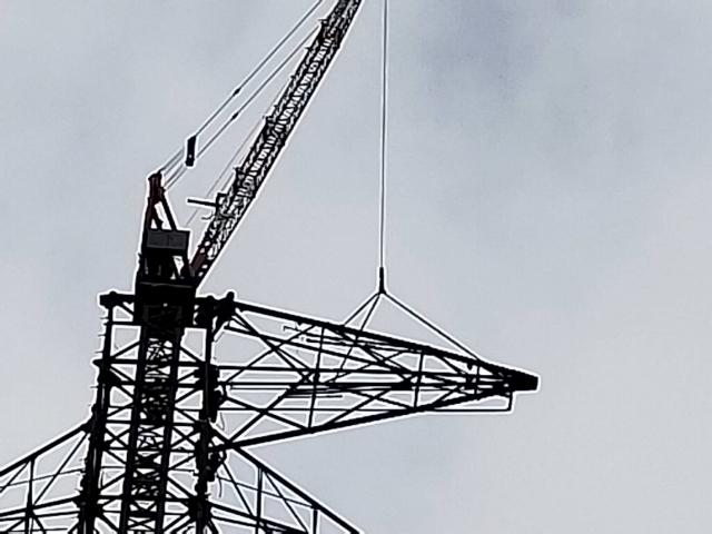 鉄塔組立工事